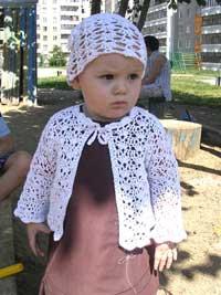 Ажурная шапочка спицами девочке